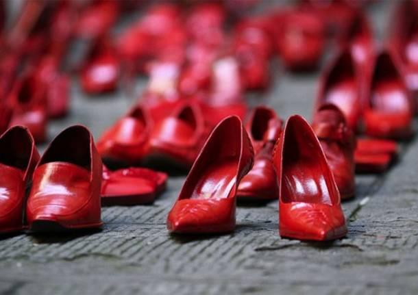 scarpe-rosse-contro-al-violenza-sulle-donne-580712.610x431